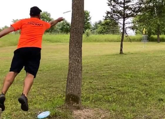 disc-golf-jump-putt